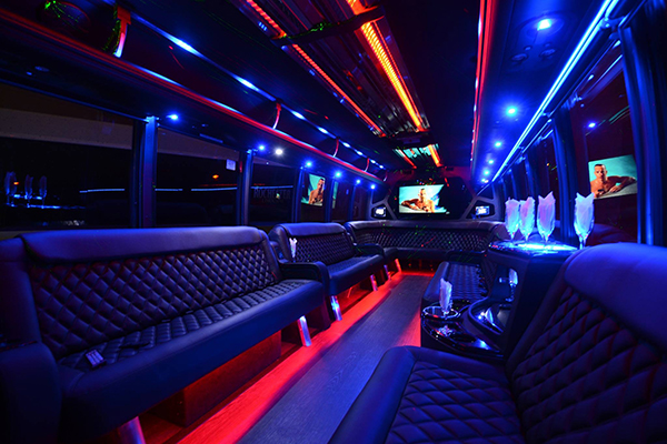 40 Person Party Bus Rental Des Moines