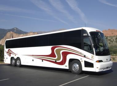 Des Moines 50 Passenger Charter Bus